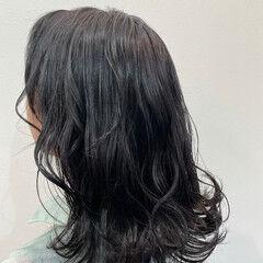 フェミニン セミロング カラートリートメント 髪質改善トリートメント ヘアスタイルや髪型の写真・画像