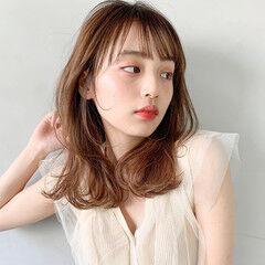 前髪あり アンニュイほつれヘア ミディアム フェミニン ヘアスタイルや髪型の写真・画像