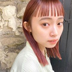 ワイドバング ナチュラル オン眉 ショートバング ヘアスタイルや髪型の写真・画像