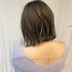 まとまるボブ 外ハネボブ 切りっぱなしボブ ナチュラル ヘアスタイルや髪型の写真・画像