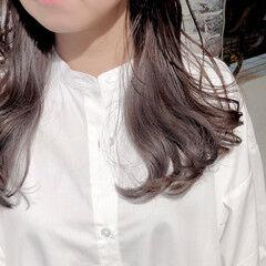 ナチュラル セミロング インナーカラー ラベンダーグレージュ ヘアスタイルや髪型の写真・画像