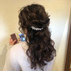 ロング 結婚式ヘアアレンジ ふわふわヘアアレンジ ガーリー ヘアスタイルや髪型の写真・画像