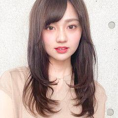 レイヤー 小顔 ロング レイヤーロングヘア ヘアスタイルや髪型の写真・画像