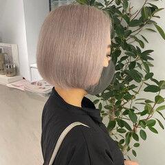 ミニボブ ホワイトベージュ モード ハイトーン ヘアスタイルや髪型の写真・画像