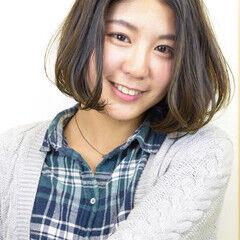 簡単スタイリング 透明感カラー フェミニン 大人かわいい ヘアスタイルや髪型の写真・画像