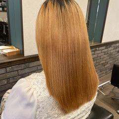 ナチュラル ストレート セミロング ブリーチ ヘアスタイルや髪型の写真・画像