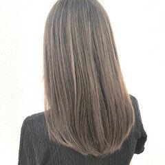 アッシュ 透け感アッシュ ナチュラル ロング ヘアスタイルや髪型の写真・画像