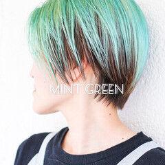 アッシュグレージュ ミント エメラルドグリーンカラー グリーン ヘアスタイルや髪型の写真・画像