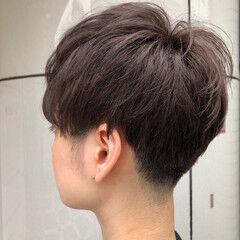 ショート ダブルカラー グレージュ モード ヘアスタイルや髪型の写真・画像