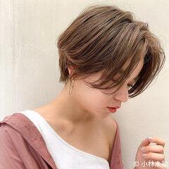 モカベージュ ピンクベージュ ミルクティーベージュ インナーカラー ヘアスタイルや髪型の写真・画像