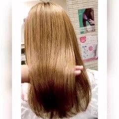 ナチュラル セミロング 艶髪 ストレート ヘアスタイルや髪型の写真・画像