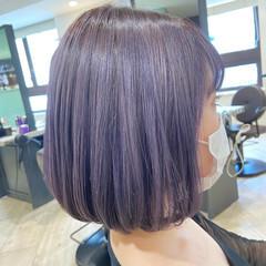 ミディアム ラベンダーカラー ラベンダーグレー ナチュラル ヘアスタイルや髪型の写真・画像