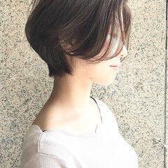 チークライン ショートヘア くびれカール ナチュラル ヘアスタイルや髪型の写真・画像