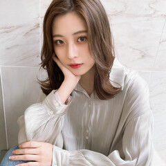 韓国風ヘアー ミルクグレージュ オルチャン 髪質改善トリートメント ヘアスタイルや髪型の写真・画像