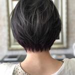 フェミニン ショート ショートヘア インナーカラー