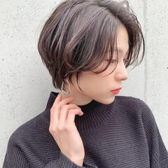 ショートヘア 大人可愛い ナチュラル 横顔美人 ヘアスタイルや髪型の写真・画像