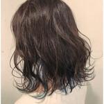 ガーリー インナーカラー 巻き髪 カジュアル