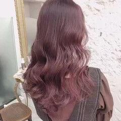 ブリーチなし ピンクラベンダー ロング ピンクベージュ ヘアスタイルや髪型の写真・画像