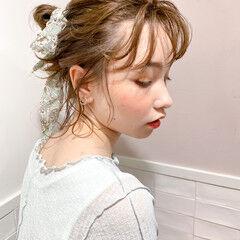 ミディアム お団子ヘア スカーフアレンジ お団子アレンジ ヘアスタイルや髪型の写真・画像