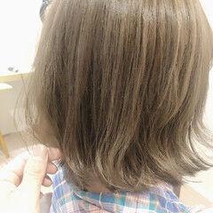 アッシュグレージュ ノーブリーチ フェミニン グレージュ ヘアスタイルや髪型の写真・画像