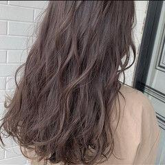 グレージュ 大人ハイライト ハイライト トレンド ヘアスタイルや髪型の写真・画像
