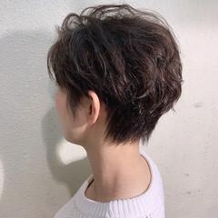 ショートヘア ナチュラル 抜け感 ハンサム ヘアスタイルや髪型の写真・画像
