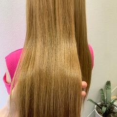 プラチナブロンド ブロンド コンサバ ブロンドカラー ヘアスタイルや髪型の写真・画像