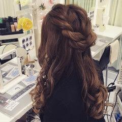 ねじり ヘアセット ヘアアレンジ ナチュラル ヘアスタイルや髪型の写真・画像