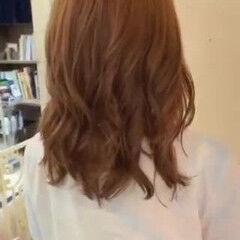コテ巻き風パーマ デジタルパーマ ゆるふわパーマ ヘルシー ヘアスタイルや髪型の写真・画像