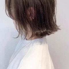 ミディアム アンティークカラー 外国人風 グレージュ ヘアスタイルや髪型の写真・画像