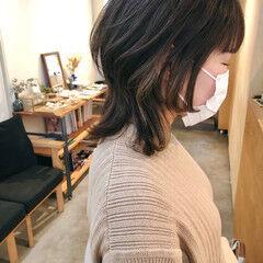 インナーカラー ウルフ ミディアム ウルフカット ヘアスタイルや髪型の写真・画像