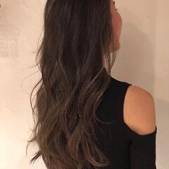 コントラストハイライト ゆる巻き 巻き髪 ロング ヘアスタイルや髪型の写真・画像