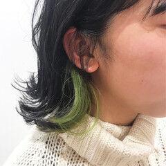 ポイントカラー アクセサリーカラー 切りっぱなしボブ インナーカラー ヘアスタイルや髪型の写真・画像