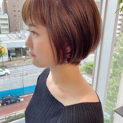 オフィス ショートボブ ショートヘア ナチュラル ヘアスタイルや髪型の写真・画像