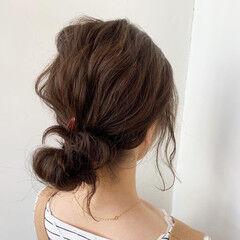 デート ミディアム ヘアアレンジ ルーズ ヘアスタイルや髪型の写真・画像