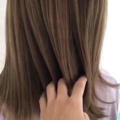 ミディアム ミルクティーベージュ TOKIOトリートメント トレンド ヘアスタイルや髪型の写真・画像
