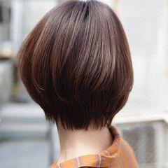 ショート aDALil ハイライト コンサバ ヘアスタイルや髪型の写真・画像