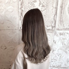 グラデーションカラー フェミニン 3Dハイライト 大人ロング ヘアスタイルや髪型の写真・画像