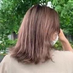 外国人風カラー バレイヤージュ ピンクグレージュ ピンクアッシュ ヘアスタイルや髪型の写真・画像