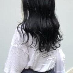 ブルーブラック ダークカラー ダークアッシュ ネイビーブルー ヘアスタイルや髪型の写真・画像