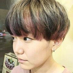 インナーカラー ピンク カラーバター マッシュショート ヘアスタイルや髪型の写真・画像