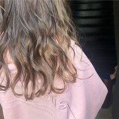 セミロング ナチュラルベージュ ヌーディベージュ ナチュラル ヘアスタイルや髪型の写真・画像