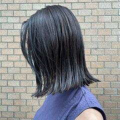 アッシュブラウン ナチュラル 切りっぱなしボブ アッシュグレージュ ヘアスタイルや髪型の写真・画像