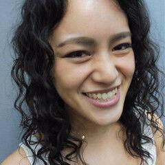 外国人風 ミディアム パーマ スパイラルパーマ ヘアスタイルや髪型の写真・画像