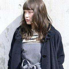 透明感 セミロング グレージュ アッシュ ヘアスタイルや髪型の写真・画像