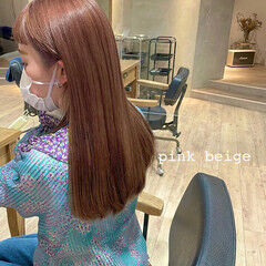 ピンクベージュ ロング ハイトーン ミルクティー ヘアスタイルや髪型の写真・画像