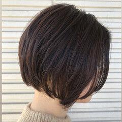 秋冬ショート ナチュラルベージュ ナチュラルブラウンカラー ショート ヘアスタイルや髪型の写真・画像
