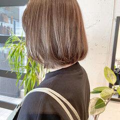 ミニボブ シアーベージュ 透明感カラー ボブ ヘアスタイルや髪型の写真・画像