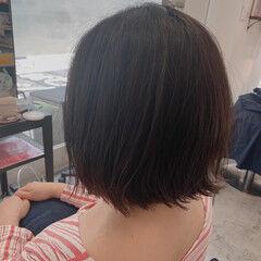 ショートヘア 美容師ピックアップ 切りっぱなしボブ オリーブグレージュ ヘアスタイルや髪型の写真・画像
