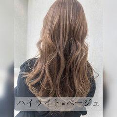 巻き髪 ゆる巻き ロング ナチュラル ヘアスタイルや髪型の写真・画像